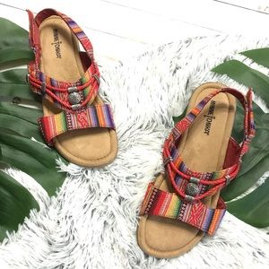 ⬇️$50 Minnetonka Woven Aztec Leather Braid Sandals